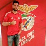 """RT @ SL_Benfica """"RT Mtorra8: Molt feliç per ser nou jugador del SL_Benfica  Estou muito feliz por ser jogador de S… http://t.co/oUwvwbwxcR"""""""
