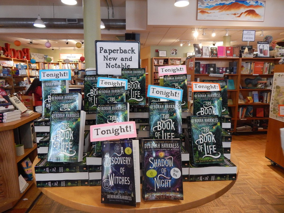 We are ready for you @DebHarkness! #AllSoulsTrilogy #avlent @penguinusa @penguinrandom http://t.co/3gCAs2nSHD