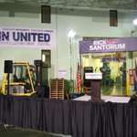 Rick Santorum to announce tonight at this factory in Cabot, PA, close to his hometown of Butler. http://t.co/Vank9PvKv8