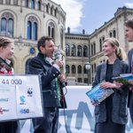 Thanks to you all, we delivered almost 50 000 signatures to politicians @TorsteinTS @mariannemar #DivestNorway http://t.co/CB7oi73McB