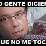 "Buenos días ""Doctor "" @ManuelBaldizon reportandome como buen ciudadano desde buena mañana para decirle que #NoLeToca http://t.co/pJ0Phlktqx"