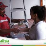 @amigarosalinda saludando a la gente trabajadora de Villa los Arcos #TeQuieroCentroi con EMPLEOS http://t.co/zpQ1iC0GVL