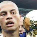 O @Alex10combr vai conduzir uma festa para a torcida do Cruzeiro. Por @alisson10 | http://t.co/d1SWwulJ4m http://t.co/IILptfWExJ