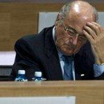 Joseph Blatter sería cuestionado por el escándalo de corrupción http://t.co/UsqZjgWVkg http://t.co/F9cB4YkKV9
