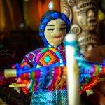 Una representación de nuestras mujeres tejedoras elaborada en una muñeca artesanal #Guatemala @Noti7Guatemala http://t.co/rJ4pqsgnn3