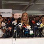"""Dice @liliantintori: """"En esta dictadura no hay libertad de expresión. Los periodistas no pueden trabajar"""" Vean =>   http://t.co/eWxHychscg"""