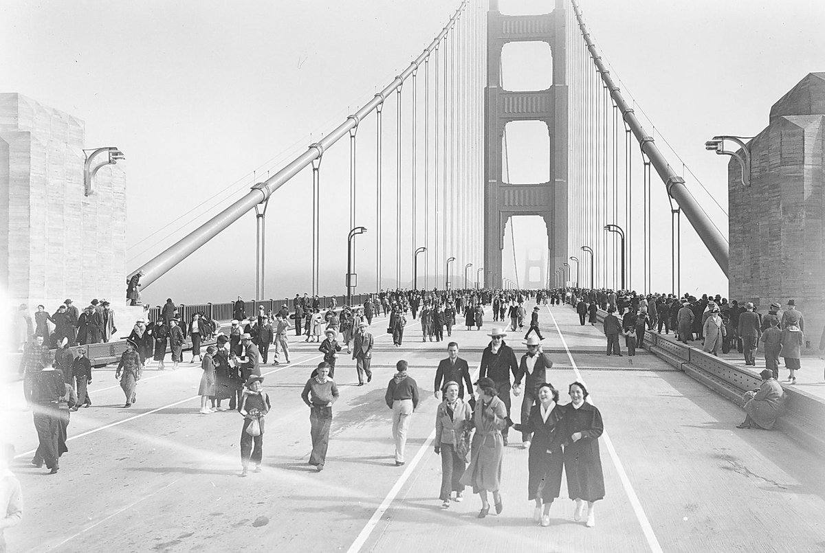 GGB opened to pedestrians 78 years ago today! About 200,000 participated! That night, SF celebrated with fireworks http://t.co/O9kWLR2WTz