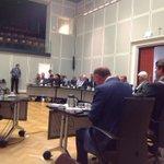 De waarnemend burgemeester Frans Weekers maakt nu de naam van de nieuwe burgemeester @gemeenteheerlen bekend... http://t.co/kZzfkcwv6d