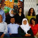#DemirtaşCNNTürkte : Benim de kızkardeşim başortülü, ama bunu mağdur olduk diye AKP gibi hic kullanmadik. http://t.co/HDzAXHXiDI