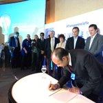 Unas 30 organizaciones firman compromiso de lucha contra la corrupción en Congreso Ciudadano. http://t.co/oBZvioRc02 Vía @hpocasangre_pl