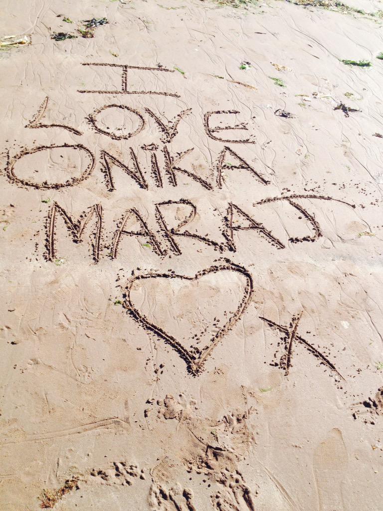 RT @BarbzPinkMinaj: @NICKIMINAJ Please look at what I did at the Beach Queen!!???? I hope you like it???? I Love You So Much Onika!!????????❤️ http://t…
