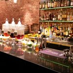 #NYC is full of #bars, so how do you choose? Here are the best in the East Village: http://t.co/qEjFawtkYz #cheers http://t.co/UaIRVYvaB7