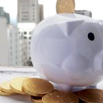 Free money! Piggy banks full of cash being handed out downtown #Vancouver tomorrow http://t.co/36zX2NoIxF http://t.co/OT0yVdrOPw