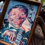 B.B. King recibe un último homenaje en Memphis: http://t.co/eKSyY8JSOE http://t.co/buTo7mr7qC