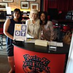 @MBOTOntario ladies welcoming members to MBX networking event @biermarktsq1 #mississauga http://t.co/japS9RpKNZ