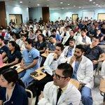 Crisis en @Hospitalguate obliga a suspender cirugías; médicos piden renuncia de ministro http://t.co/psKaxxq0vI http://t.co/FLvSV8YPPK