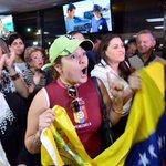 """Venezolanos exiliados consideran """"incoherente"""" que MUD no acompañe marcha convocada por López http://t.co/trzzlw39OJ http://t.co/MG9RioxfZB"""