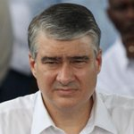 El ministro Dulcidio De La Guardia, debe ser separado de su puesto y procesado por caso #CobranzasDeLIstmo http://t.co/Wf9kuTpV4o