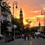 La tarde cae sobre el #CentroHistórico  Desde la #imperdible calle Madero joya de nuestro Estado. #VivaAguascalientes http://t.co/r31LOCFrFU