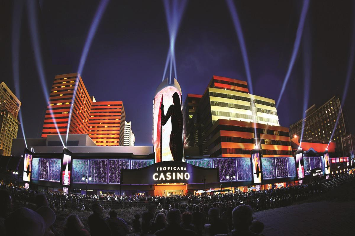 What do you think of our new facade? #DoAC #Boardwalk #AllNewTrop http://t.co/fudrBdl2my
