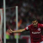 #BLOGDODIORI l Escanteio que originou gol de Rafael Moura não aconteceu. Leia em http://t.co/q1OjTL7bbc http://t.co/8d9wKZQSff