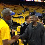 Kanye in the house. came in with Warriors co-owner Peter Guber @kron4news http://t.co/pMUYQYuBuP