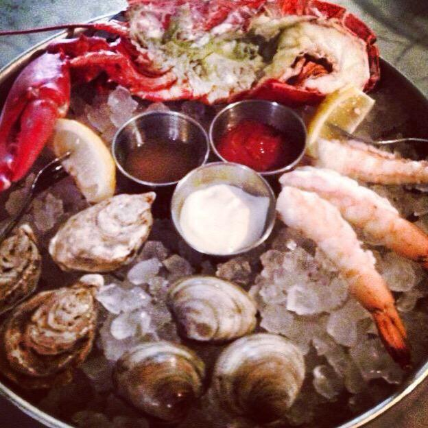 It's time for our late night 1/2 price raw bar!  Every night, all 3 locations starting at 10 pm!! #ShuckYeah http://t.co/fdZ7pOcxNg