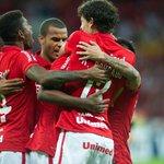 Veja fotos de Inter 2x0 Santa Fé -> http://t.co/HeORfg80TT #CadaUmEOnze http://t.co/FCjuvjergu