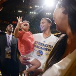 This photo of Steph and Riley Curry is simply perfect. http://t.co/aL74MrGaSg