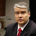 Ministro Dulcidio De La Guardia debe ser separado y procesado por el caso Cobranzas del Istmo. http://t.co/eHOluTNWDt http://t.co/sAlO11cpH9