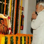 Prime Minister Shri @narendramodi pays tributes to #VeerSavarkar at Parliament of India http://t.co/u35iUjR1z2