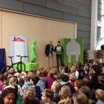 Wat een feest. De aftrap voor #zonopschool http://t.co/hdm1s4q3wb
