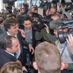 HRH Prince @AliBinAlHussein arrival at @FIFAcom HQ in Zürich Switzerland   #AliForFIFA #FIFA http://t.co/E2ZAYnJkFt