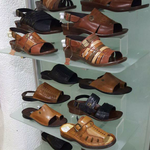 """😂😂😂""""@MisterMos: The """"bring home ocean water in 2 litres"""" sandals. http://t.co/FONpS33YDr"""""""