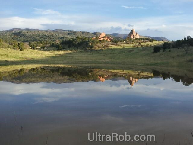 A different view of Garden of the Gods. #ColoRADo #ColoradoSprings #GardenoftheGods http://t.co/x0Zl02EFWl