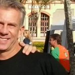 Gunther Schweitzer, que denuncia corrupção na Fifa desde Copa de 98, brinca: Eu avisei http://t.co/x9OiurZcOC http://t.co/uukvgp6Y6D