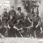 Prisoner or right fielder? Check out the unis on this early @UWMadison #baseball team: http://t.co/BUCONJTTHB