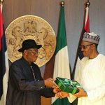 President Elect receives hand over notes few hours after entering the country and taken round the villa. http://t.co/W65rGeDj5n