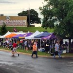 You know its softball time in OKC when the @LSUsoftball tailgate party has arrived! #TheBestPlayInOKC http://t.co/Fcukvggzd4