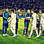 Gran gesto del plantel de Boca que anoche le regaló un bolsón con camisetas a los jugadores d Huracan LH #EstoEsBoca http://t.co/ElPNxypRYJ