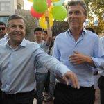 """Macri prometió que si es presidente, convertirá a #Mendoza """"en una potencia"""" http://t.co/93bVbitAi0 http://t.co/SOVlARkBxj"""
