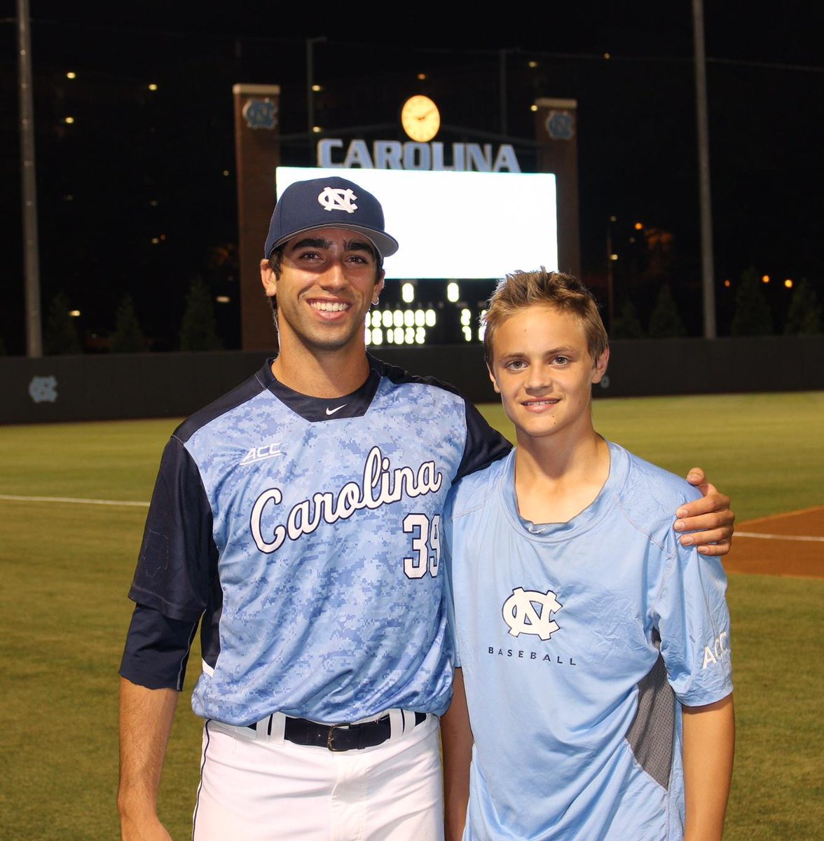 .@DiamondHeels players develop special relationship with Hodgkins lymphoma patient. http://t.co/yTJtEJHFno  #TeamLiam http://t.co/D3FJouwTB8