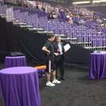 GM Jim Pitman chats with @suns head coach Jeff Hornacek at the half. #MercVsStorm http://t.co/ITG52LdwpE