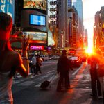 #Manhattanhenge returns tomorrow! Find out when the sunset aligns with the Manhattan grid http://t.co/OtepSe7aW3 #NYC http://t.co/R6MjnPoaq5