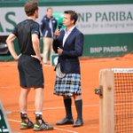 #RG15 Le kilt dont tout le monde parle à Roland Garros... http://t.co/GOXkEZTTaG #tennis #Murray http://t.co/6QI7sA6JiT