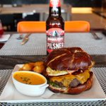 So #NationalBurgerDay is a thing. This from @Loews_Hotels feat @AngelCityBeer. #loewshollywood #MyDayinLA http://t.co/5yXAK0Km7T