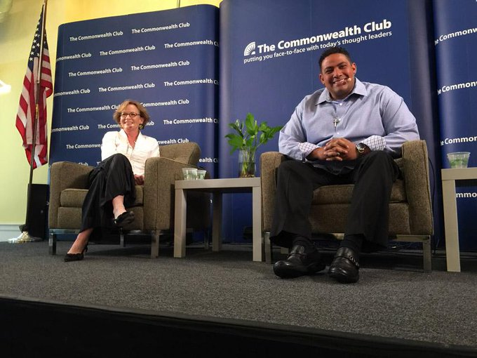 With @joanryan at @cwclub talking with @SFGiants fans! #SFGiants #Molina @simonschuster http://t.co/6YkN6PgeDl