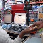 "😂""@TRENDINGKENYA: 😂 @Taifa_Leo: Mteja amzaba kofi mhudumu kwa kumpa peremende kama chenji http://t.co/eK210yj2J3… http://t.co/C1eHiN2G3W"""