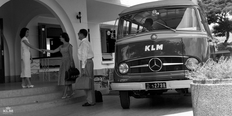 This bus would take you to the KLM hotel 'Plaswijck' in Bangkok.