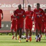 Todos os jogadores convocados para a Final da Taça da Liga! http://t.co/t4VPwbQqsD #CarregaBenfica http://t.co/VVithBGa86